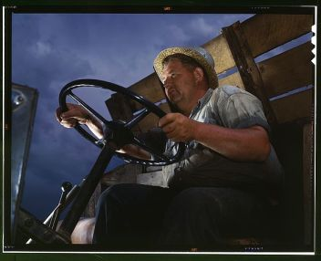 Truck_driver_at_TVA's_Douglas_Dam,_Tennessee1a35238v